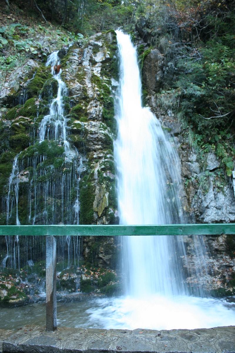 Urlatoarea cascade - Prahova valley