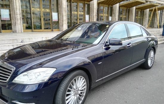 Mercedes S class front right view
